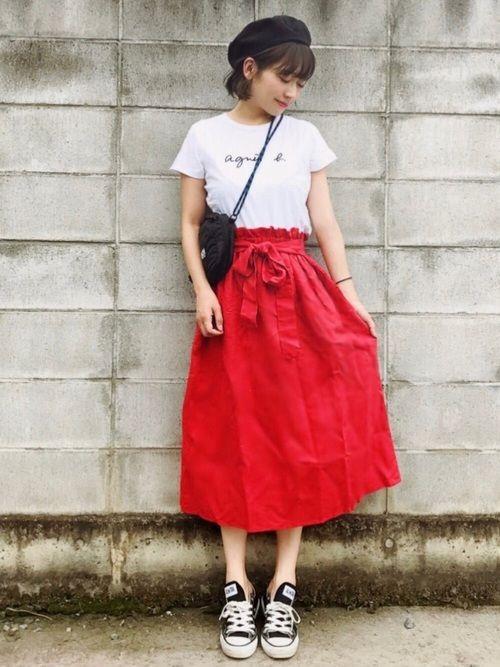 ご覧いただきありがとうございます イッカの赤いスカート♡ 長めの丈感と素材感が好みです すず