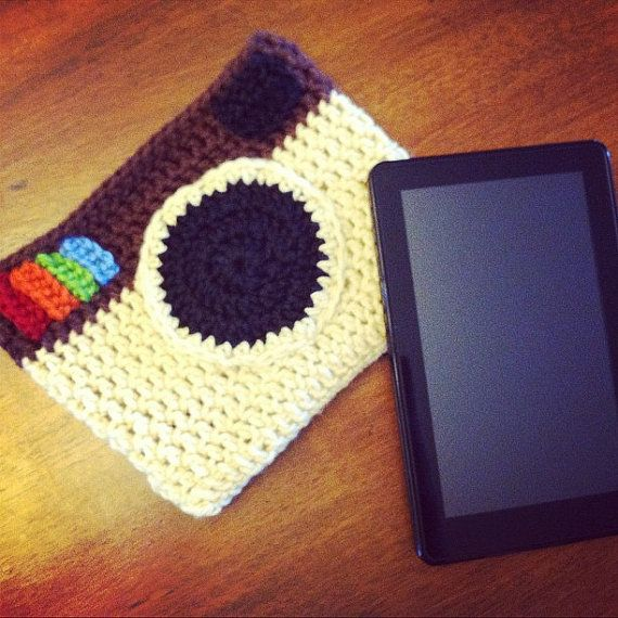 5-in-1 pattern for Instagram crocheted items: Kindle or iPad cover, laptop cover, phone cover, purse, clutch. Camera case?