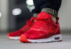 Nike Air Max Tavas: University Red