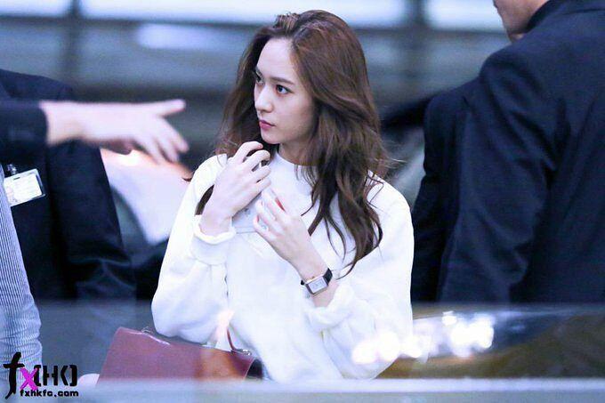 """ถูกใจ 656 คน, ความคิดเห็น 2 รายการ - KRYSTAL 정수정 Jung Soo Jung (@vousmevoyez_kjungxox) บน Instagram: """"150910 Krystal - Hong Kong Airport heading back to Korea #krystal #정수정 #크리스탈 #soojung #jungsoojung…"""""""