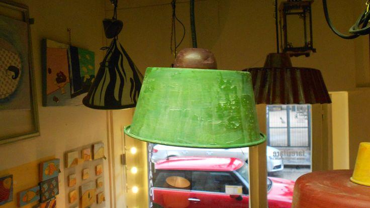 lampada creata con pentola