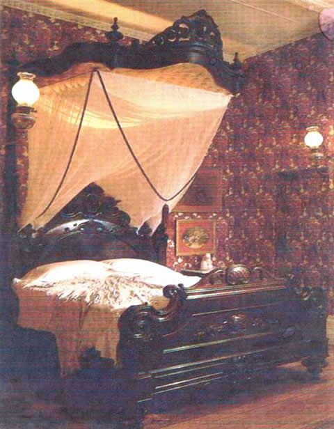 Victorian Bed **** Any style of bed like this is a dream of mine 2 own someday!****