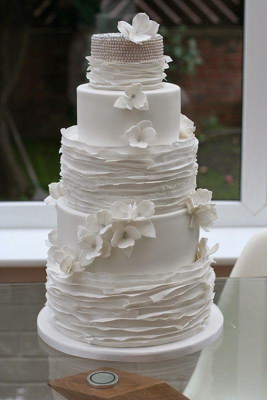 25 Romantic Wedding Cakes ~ For All Seasons