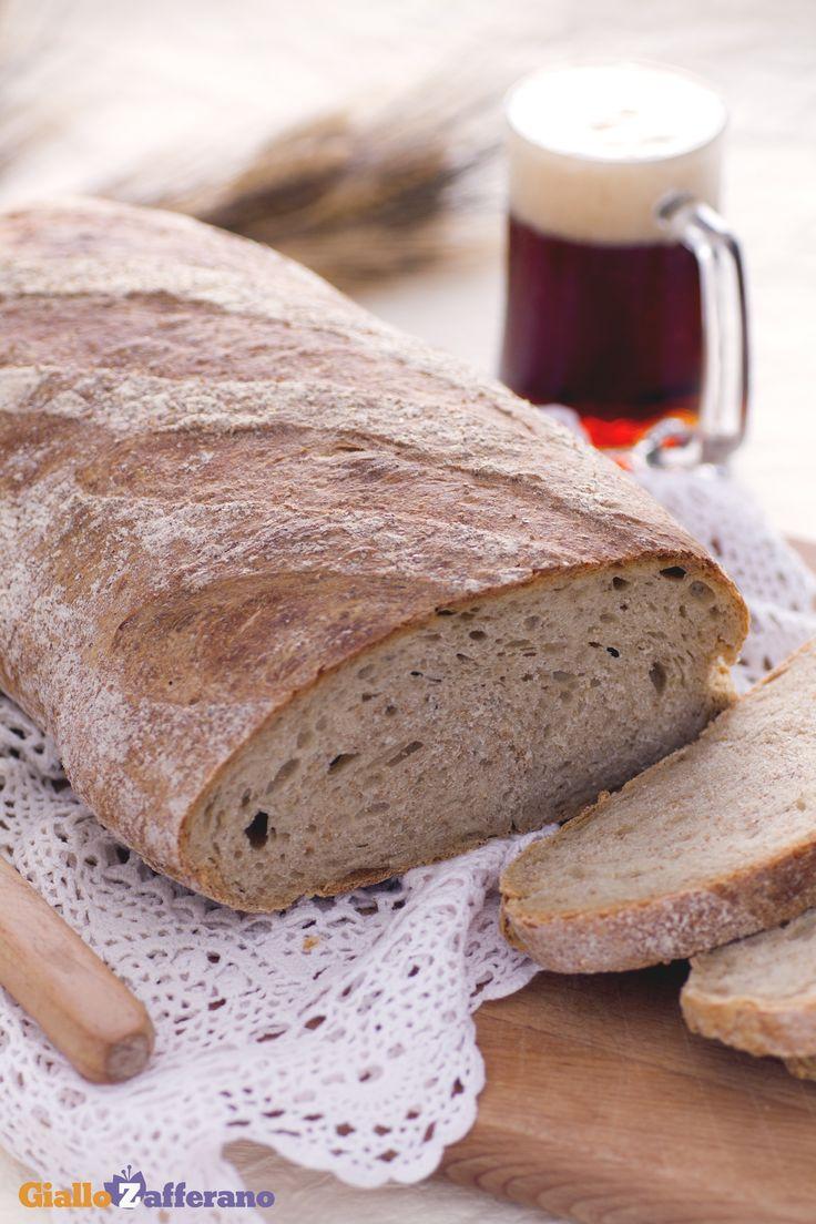 Il PANE alla #BIRRA (beer bread), grazie ad il suo gusto intenso, si presta ad arricchire il cestino del pane durante le vostre cene! #ricetta #GialloZafferano #italianrecipe