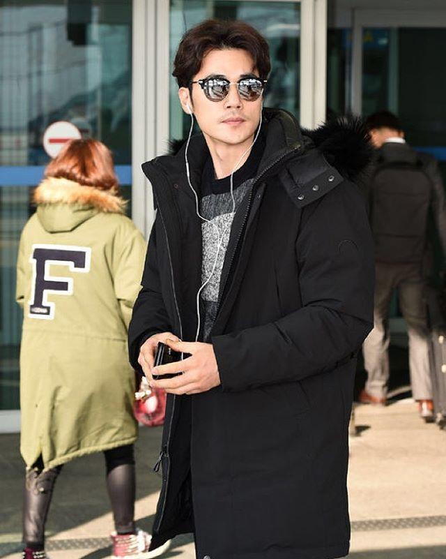 #kimkangwoo #mama #korea #cmfr looking good! Exclusive Gormley Parka