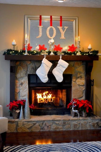 The Ugly Duckling House | DIY Home Improvement Blog: My (Nearly Free) Christmas Mantel Decor