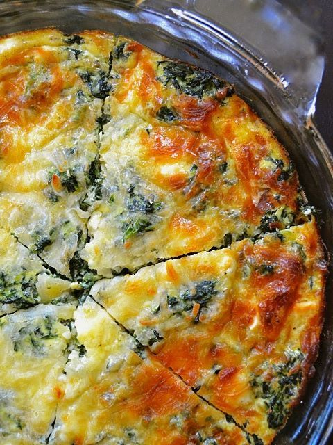 Spinach, Mushroom, and Feta Crustless Quiche | #glutenfree #grainfree #vegetarian: