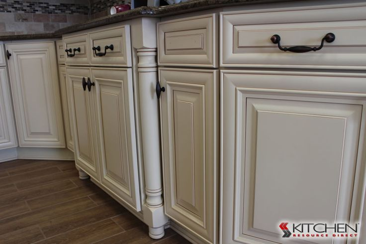 Best 25 discount kitchen cabinets ideas on pinterest for Cheap maple kitchen cabinets