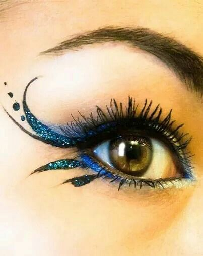 This is perfect if you want to add some snazzle to an everyday look, without going really crazy or dramatic. Or good if you wanted to match a #Costume or #Cosplay outfit. #FancyEye