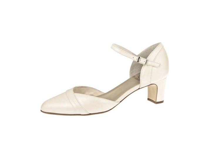 Bruidsschoen met bandje, Trouwschoen lage hak, Wedding shoes mid and low heel, Online webshop levering NL & BE www.sayyestothedress.nl / www.syttd.com