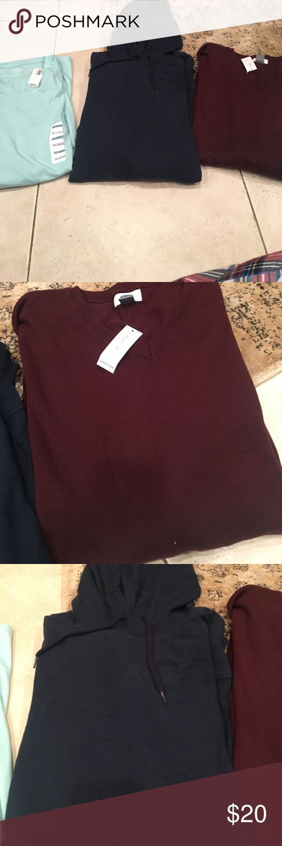 Men's old navy bundle NWT size large Old navy t shirt, pull over hoodie (no tag) and v neck sweater Old Navy Shirts