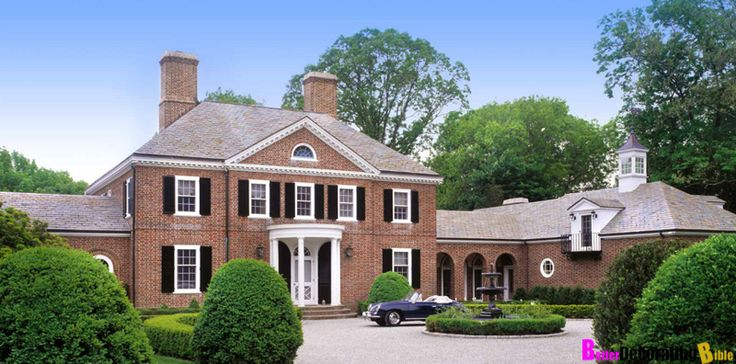 Suzy-q-better-decorating-bible-blog-interiors-Georgian-home-mansion-brick-wine-cellar-wood-paneling-country-club-landscaping-old-fashioned-upscale-posh-living-2.jpg 800×396 pixels