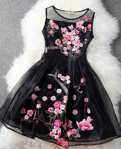 Embroidered Lace Dress In Black