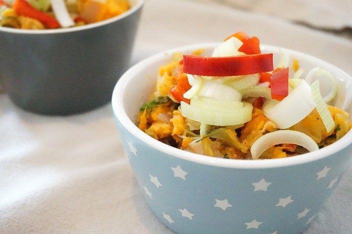 Een lekkere zomerse zoete aardappelstamppot met prei. Zo kun je het hele jaar door van stamppot genieten. Lekker met zelfgemaakte gehaktballetjes.