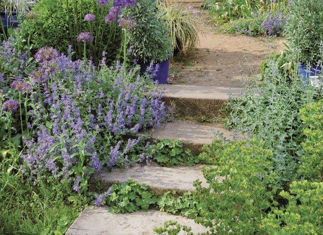 Bricolage au jardin comment r aliser un escalier en for Escalier en pierre jardin