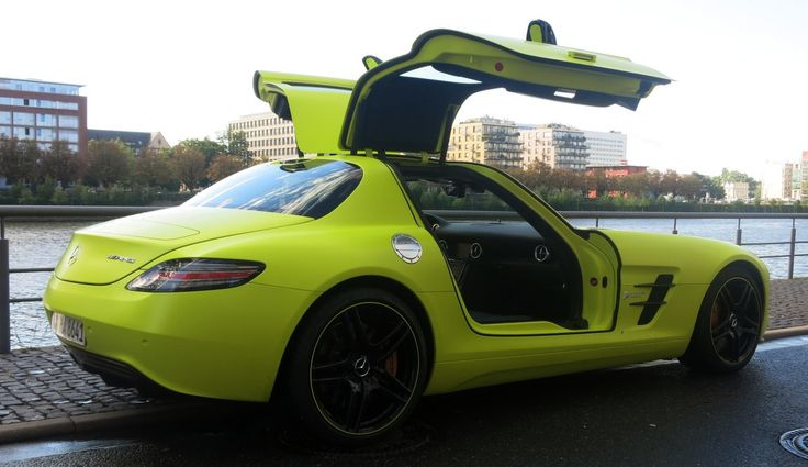 The Wings of love! [SLS AMG Coupé electric drive   Combined fuel consumption: 26,8 kw/h/100 km   CO2 Emission: 0 g/km]