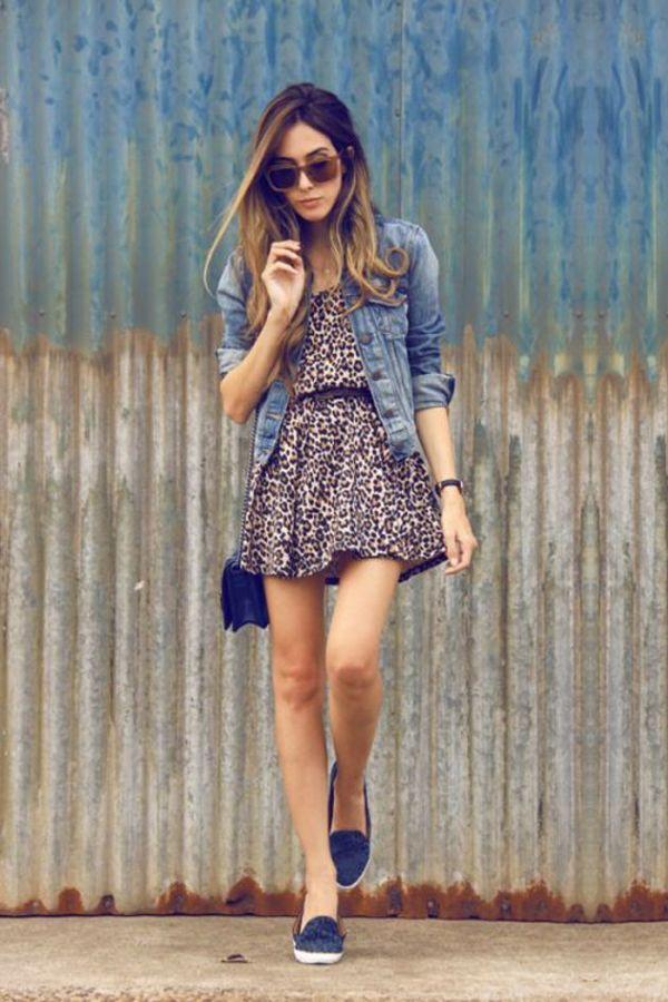 ¡Combina tu vestido con una chamarra para verte increíble!