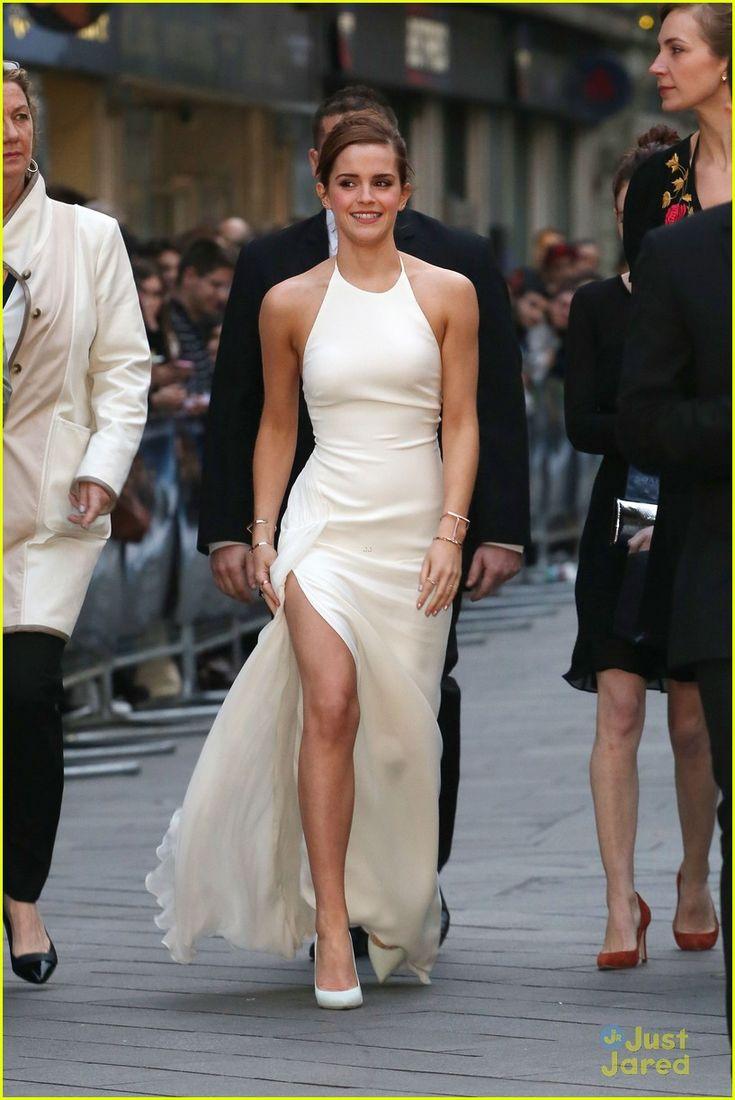 White dress emma watson - Emma Watson S Leg Takes Center Stage At Noah London Premiere Emma Watson Leg