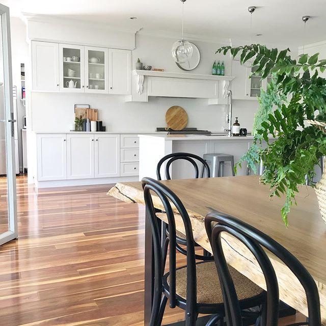 live edge natural dining table, white hamptons kitchen