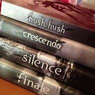 #sagadehushhush Exelente libro de romance y misterio recomendado