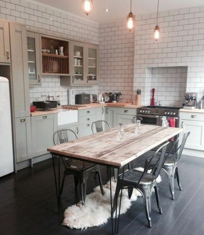 Exemple De Cuisine Vintage Industrielle, Carrelage Mur Cuisine Blanc,  Chaises Industrielles, Table En