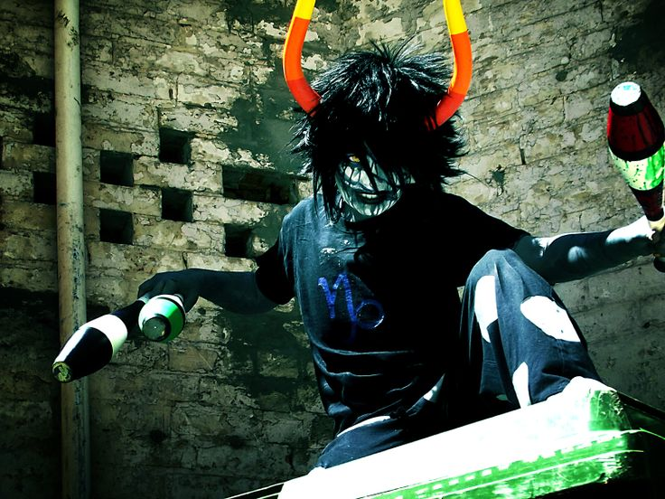 Gamzee cosplay talk about the BEST gamzee cosplay ive seen this is soo realistic its scary and the cosplay itself is creepy