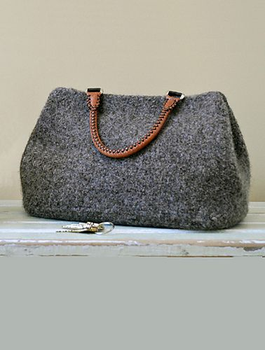 Knitting Pattern Felted Bag : Best 25+ Felt bags ideas only on Pinterest Diy bags, Felt clutch and Kids p...