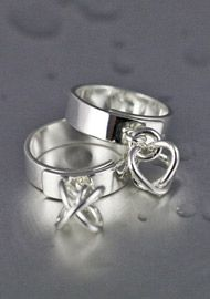 Silverringar | Ringar i silver från Liselotte Klingener Silversmycken & Design | Handgjorda smycken i silver med tidlös design, halsband, armband, ringar, örhängen m.m.