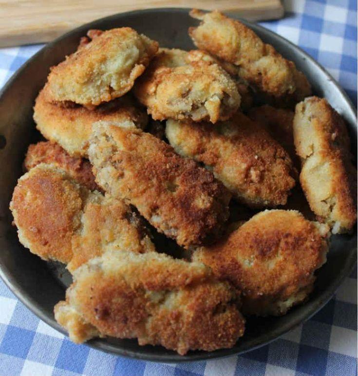 Kadınbudu Köfte  -  Nesrin  Kismar #yemekmutfak.com Kadınbudu köfteler soğuyunca da çok güzel, salatayla birlikte başlı başına bir öğün. Köfteleri hazırlamak için gerekli olan pirinç lapası yerine kalan pilavı da değerlendirmek mümkün.