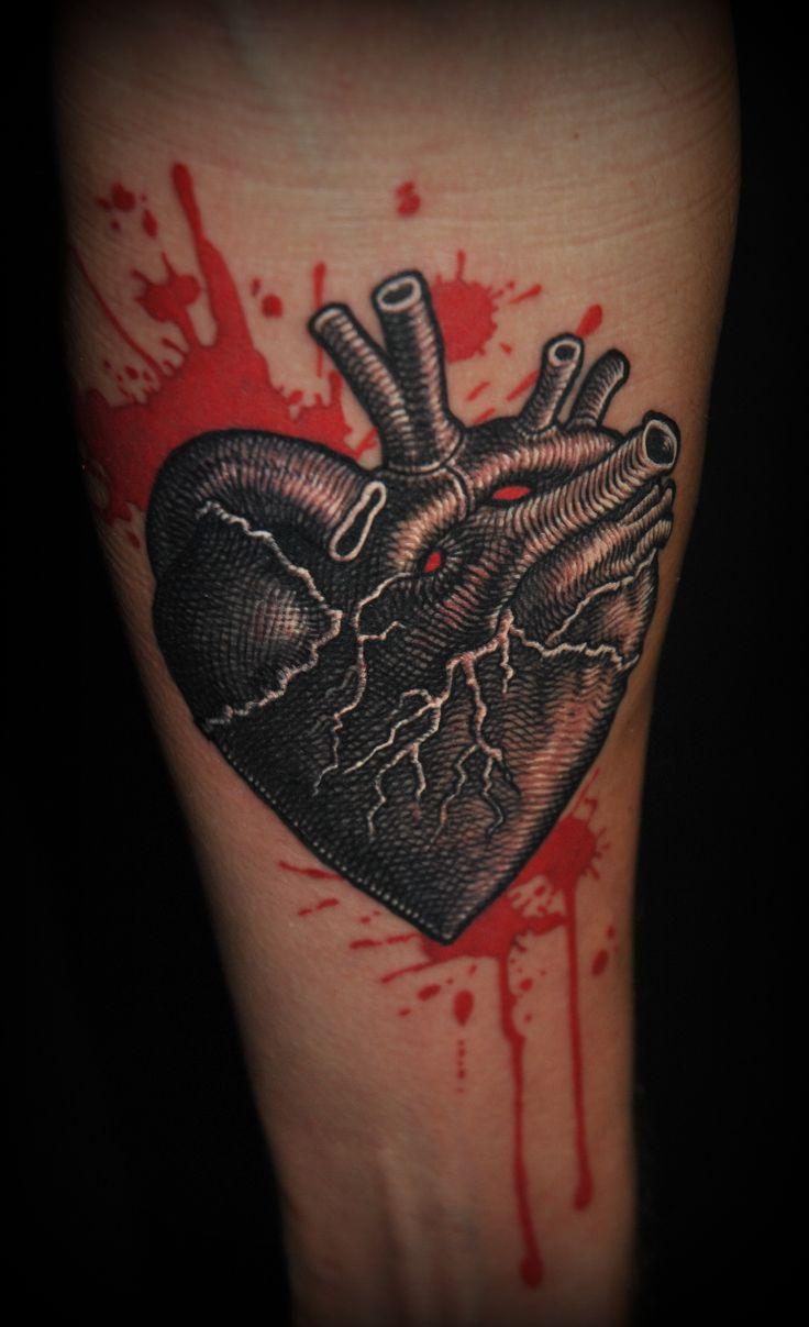 Piotr Wojciechowski, D3XS TATTOO ORCHESTRA (Gliwice, Poland) #heart #blood #tattoo  https://www.facebook.com/d3xs.tattoo.orchestra/photos_stream