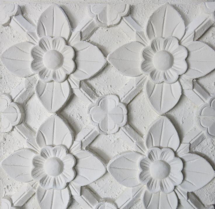 Lotus arrow design in matt white
