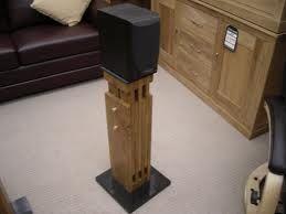 rusztikus fa hangfalállvány indusztriális design