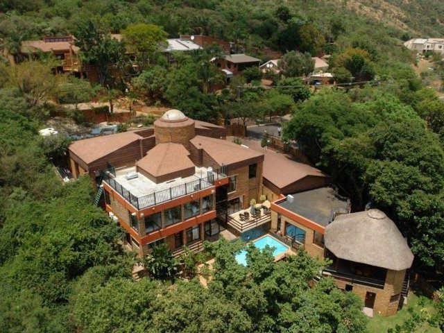 El Cazador Guest House - Nestled in the serene setting of the Magalies Mountains, our guesthouse offers breath-taking views, tranquility and excellent service to ensure that your stay with us is a memorable one.Come and get a ... #weekendgetaways #pretoria #southafrica