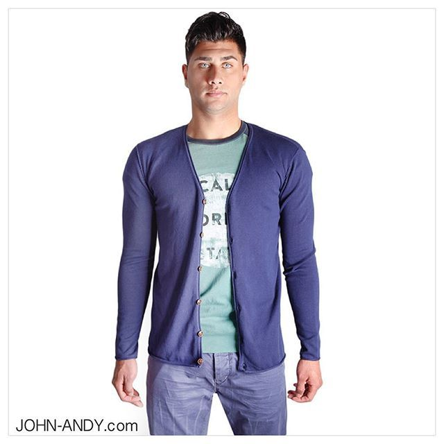 #johnandy #totallook #menswear #giannilupo #scotchandsoda #chinos and #tshirt #hurryup #sale #00302109703888  https://www.john-andy.com/gr/menclothing/clothing/cardigans.html