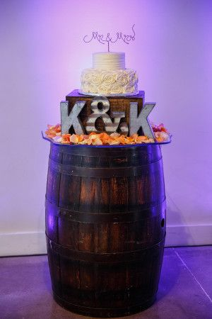 whiskey barrel cake stand | Plan It Event Design & Management | Orlando Wedding Planner | Photo by Victoria Angela Photography