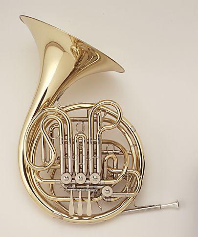 1. iemand in het orkest bespeelde ook een horn