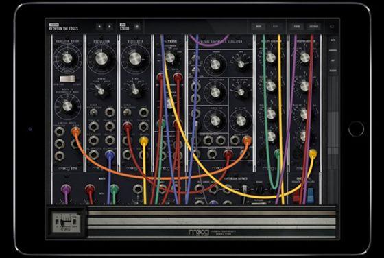 """Aki+nem+ismeri+a+dr.+Rober+""""Bob""""+Moog+nevét+az+nem+is+a+Földön+él+sokat+szerint,+nemes+egyszerűséggel+ő+az+analóg+szintetizátorok+atyja+és+az+elektronikus+zene+amerikai+úttörője.+A+Moog-szintetizátor+ikonikus+zeneszerszámmá+emelkedett+az+évek+során+és+nem+lehet+megunni+a+hangját.  Különösképpen…"""