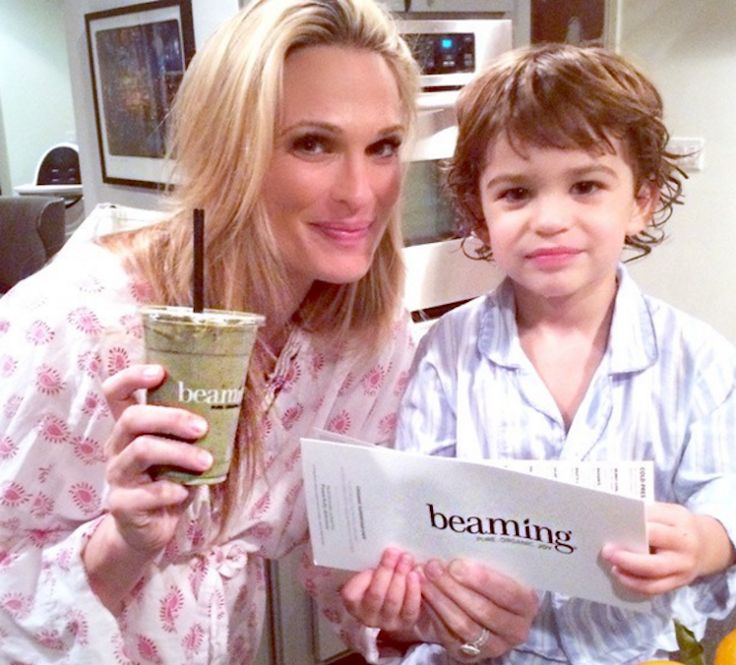 From Molly Sims to Chrissy Teigen, this superfood-filled blend is fave of famous moms-to-be—and we've got the recipe.