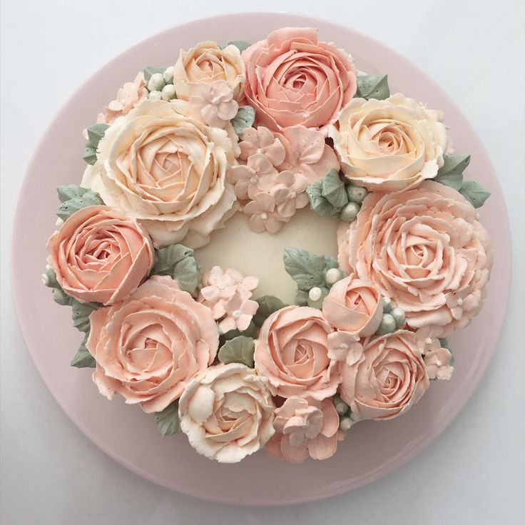Cake Decorating With Buttercream Flowers : Best 25+ Buttercream Flower Cake ideas on Pinterest ...