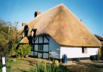 Vocabulario adjectivo 1 paja: Un techo hecho de pajita.