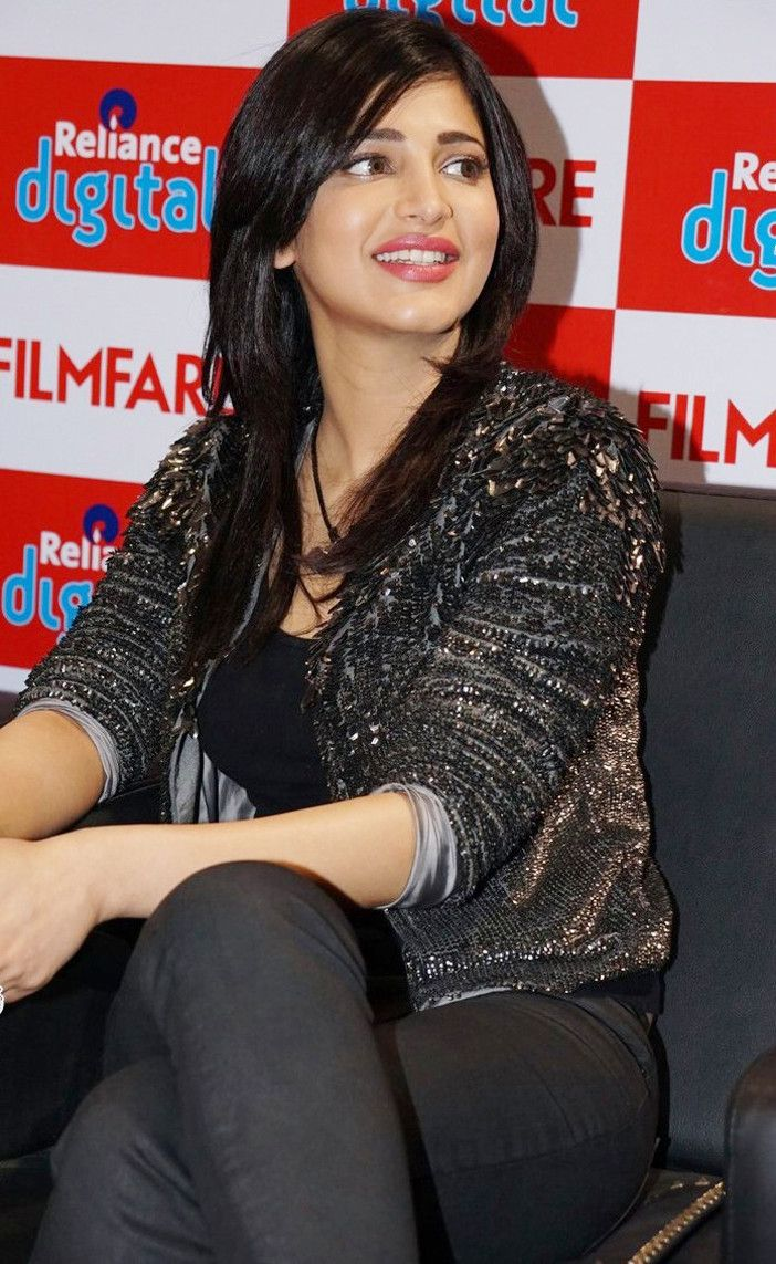 Shruthi-Hassan-HD Photos