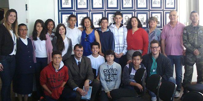 NRE participa de Audiência Pública com alunos da Escola Imaculada - http://projac.com.br/noticias-educacao/nre-participa-audiencia-publica-alunos-escola-imaculada.html