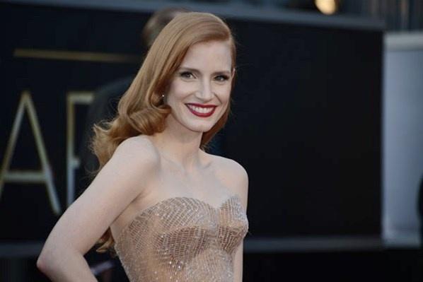Gaun Cantik di Karpet Merah Oscar 2013