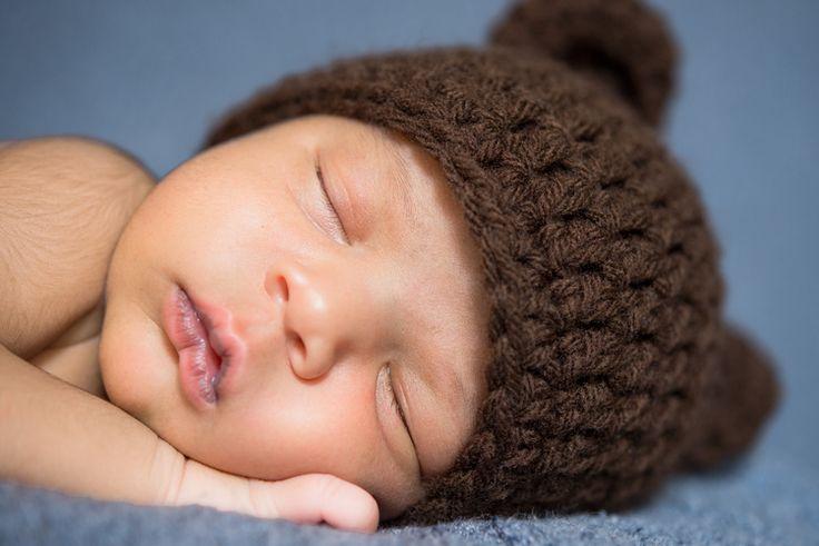 Ricardo & Angela Photography | Newborn Lifestyle Session sleeping baby bear