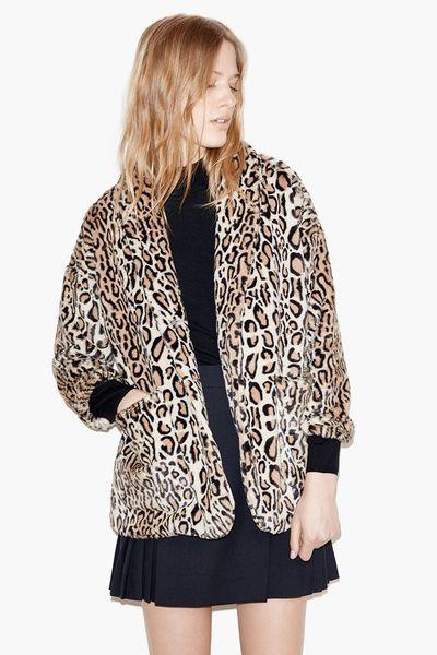 Manteau femme, automne-hiver 2015-2016. Manteau léopard façon fourrure, The Kooples, 395 euros.