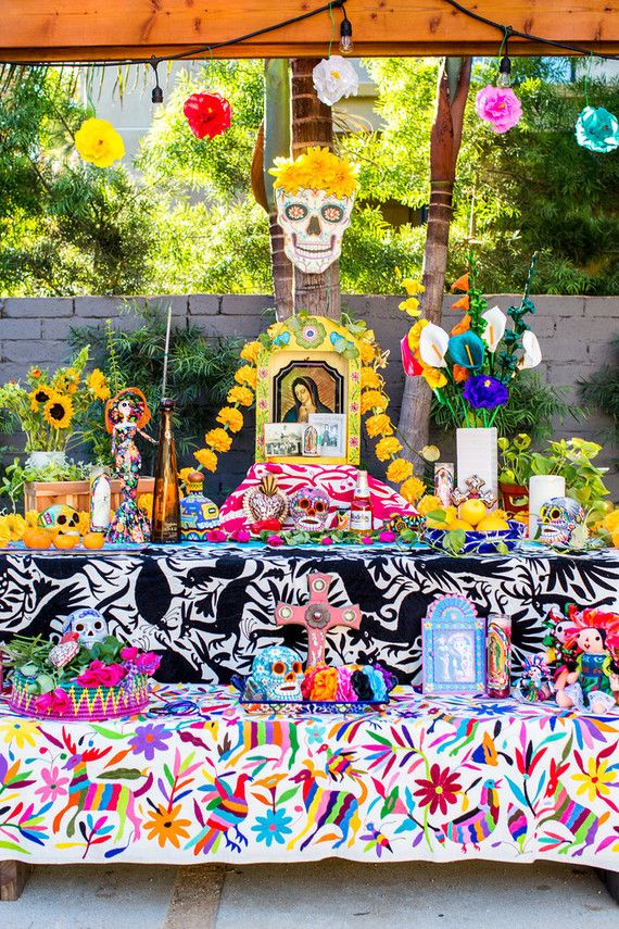 Dia De Los Muertos Party Ideas Day Of The Dead Party 100 Layer Cakelet Dia De Los Muertos Party Ideas Day Of The Dead Party Dia De Los Muertos