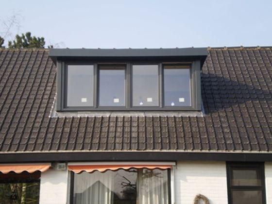 De dakkapellen van Comforthouse stel je zelf samen: breedte, hoogte, kleur, aantal ramen,... Zo krijg je een uitbreiding van je bovenverdieping zoals je het zelf wilt!