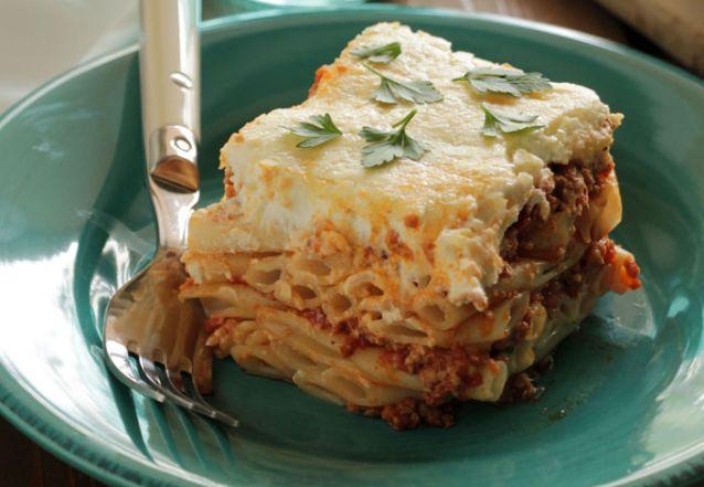 Παστίτσιο. Ένα κλασικό πιάτο, αγαπημένο από μικρούς και μεγάλους πιάτο για το καθημερινό οικογενειακό τραπέζι. Μια εύκολη συνταγή σε μια αρκετά απλοποιημέν