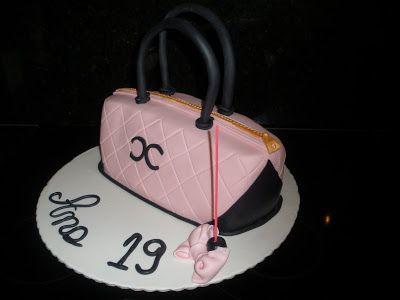 Bolos e Miminhos da Maria - Cake designer desde 2009: Bolo Carteira Chanel da Ana
