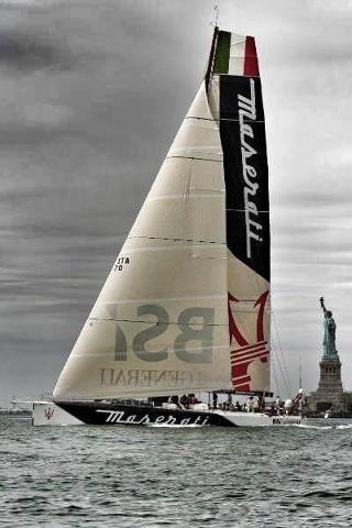 Sailboats & Yachts | New York Upper Bay sailing by Statue of Liberty
